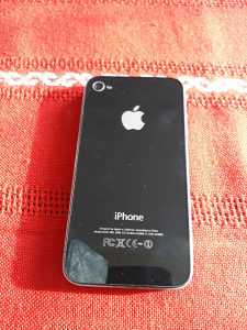 Iphon 4 mobilni telefon