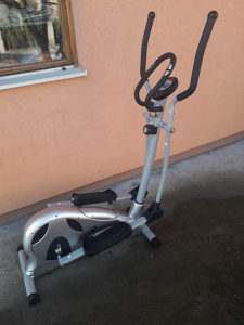 Trenazer Chirstopeit Sport trpi tezinu do 150kg !