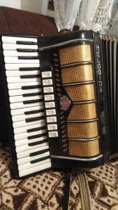 Harmonika 96 basova, Melodija 9/3 registra