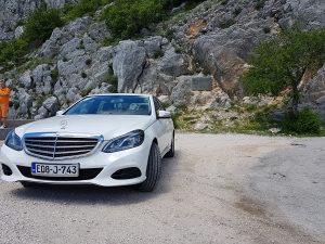 Automobil Mercedes
