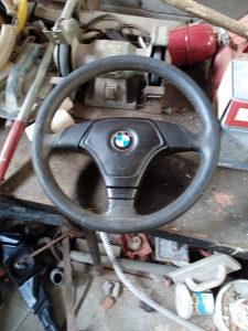 Volan i radio sa kasetofonom BMW