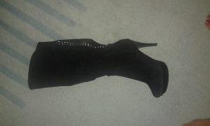 Crne čizme na štiklu-velur