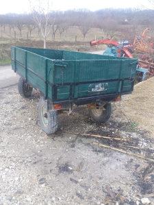 Prikolica za traktor