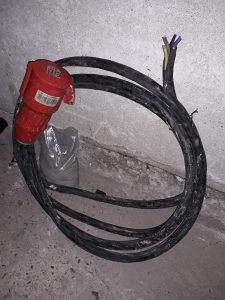 Kablo 5m 4x4 sa uticnicom