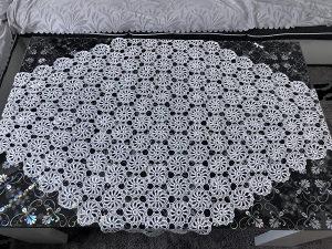 Heklani stoljnjak sa 8 salvetica svila