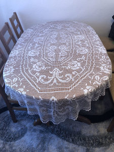 Heklani stoljnjak za trpezariski Sto svila konac