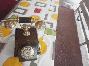 Stari stilski telefon
