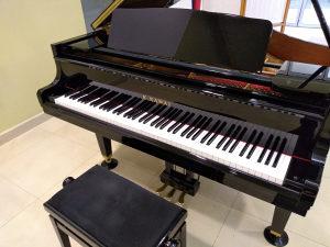 Klavir Kawai k1