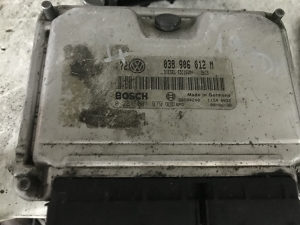 Kompjuter motora vw golf 4 1.9 Tdi 038906012M