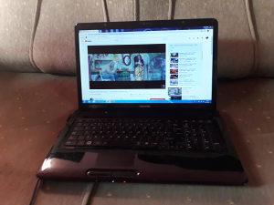 Laptop Toshiba 17.3 Inch 4GB RAM