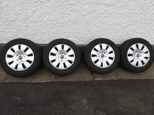 Felge čelične 16ke sa original ratkapama Audi