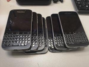 BlackbeBerry Classic sqc100-1