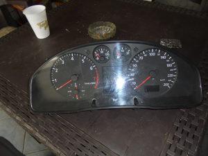 ISTRUMENT TABLA AUDI A4 1,8 92 KW REDIZAJN 2000 g