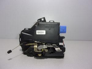 BRAVA VRATA DIJELOVI VW TOUAREG > 02-06 Z-D 7L0839016