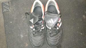 Prodaju se Adidas patike velicine 37