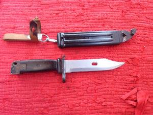 Vojni bajonet noz M70
