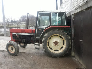 Traktor international 844-s