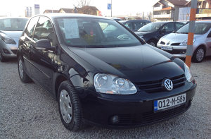 VW Golf 1,9 tdi ,2004 god. Tel:062/445 365