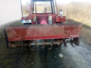 Freza traktorska