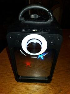 Bluetooth zvučnik ,radio,SD card WP003