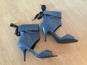 Zenske sandale na petu