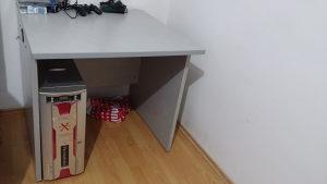 Radni ili kancelarijski sto