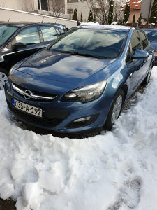 Opel Astra 1.6 benzin model 2016 god