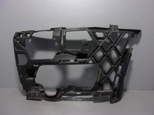 PREDNJI NOSAC BRANIKA DIJELOVI VW GOLF 7 > 5G0807723D