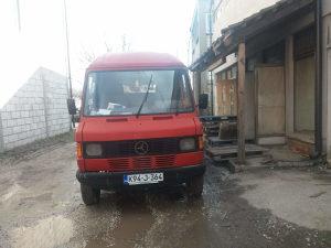 Kombi Mercedes 210 D