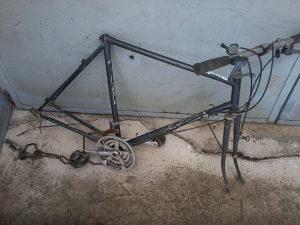 """Ram,kostur za bicikl,za felge 28"""",sa srednjim pogonom"""