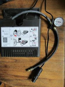Set auto kompresor za gume sa pjenom