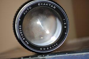 objektiv Exaktar 135 mm f/ 2.8