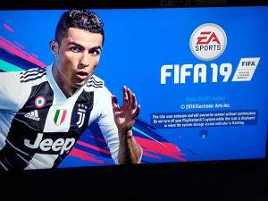 PLAYSTATION 3 PS3 CIPOVAN 160GB(GTAV,FIFA19,PES18)