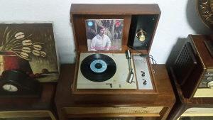 Starine antikviteti gramofon stari ispravan