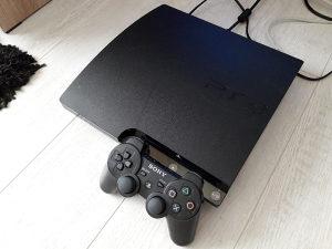 PS3 Playstation 3 slim cipovan 20 igara FIFA19 GTA V
