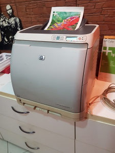 Printer Color HP 2600n kolor