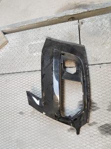 Audi q5 prednji lijevi dio branika