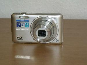 Digitalni fotoaparat + torbica + kartica