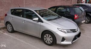 TOYOTA AURIS/ Kupljen i servisiran u Toyota BiH