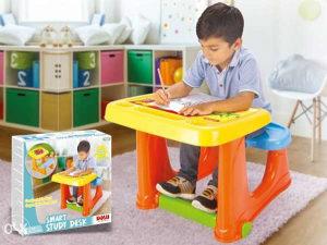 DOLU stolić, set za pisanje, razne igračke