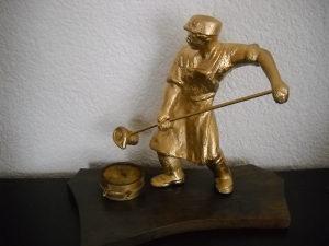 Skulptura - Brončani kip ljevača željeza