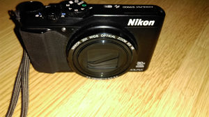 Nikon coolpix s9900 full hd neispravan