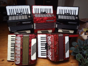 Harmonike od 32-48 bas za pocetnike !