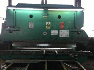 APKANT PRESA / EHT 4000 mm 250 tona