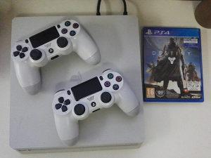 PlayStation 4 white,2 dzojstika