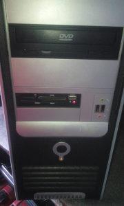 desktop računar 3.2 cpu2 HD 80 GB 2 GB rama