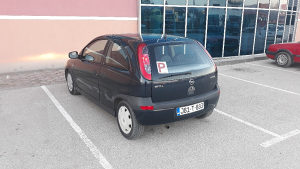 Opel Corsa C 2001 godiste - 1.0 benzin extra stanje