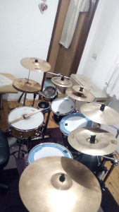 Bubnjar trazi bend za saradnju
