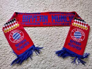 Šal Bayern Munchen stariji