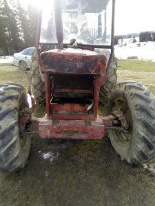 Traktor internacional 844 S